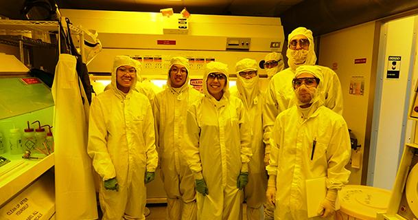 UA Engineering students are gearing up for a new semiconductor processing lab course in the cleanest environment on campus.